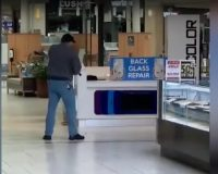 MUST SEE: Legally Armed Man In PA Shuts Down Mall Shooting After Several People Hit By Bullets
